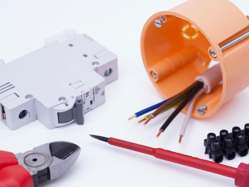 Travaux d'électricité en entreprise